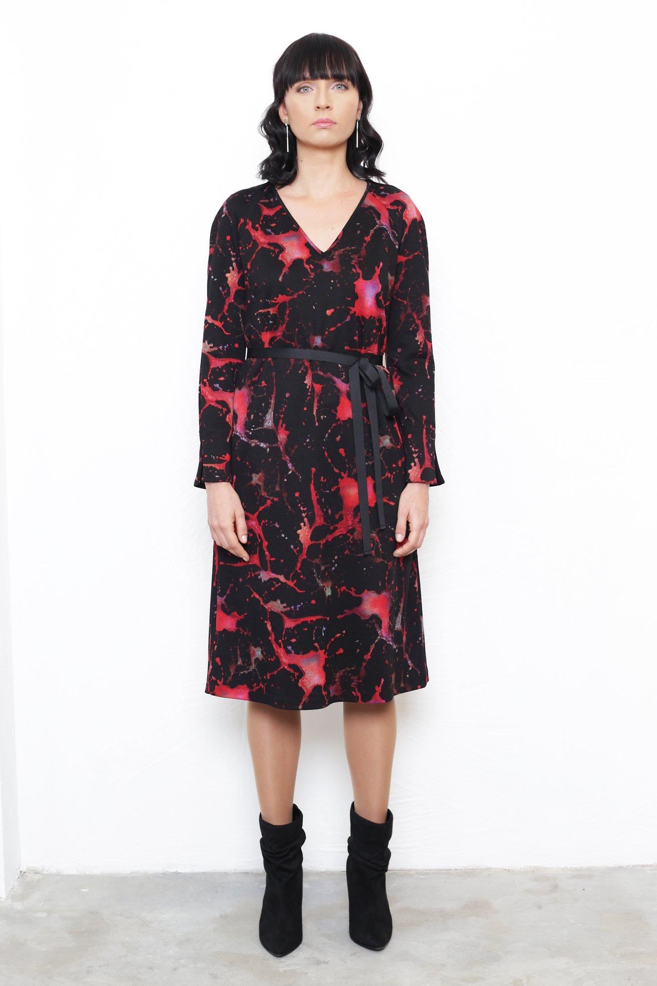 Kleit Alta / Musta punase kirju 220€