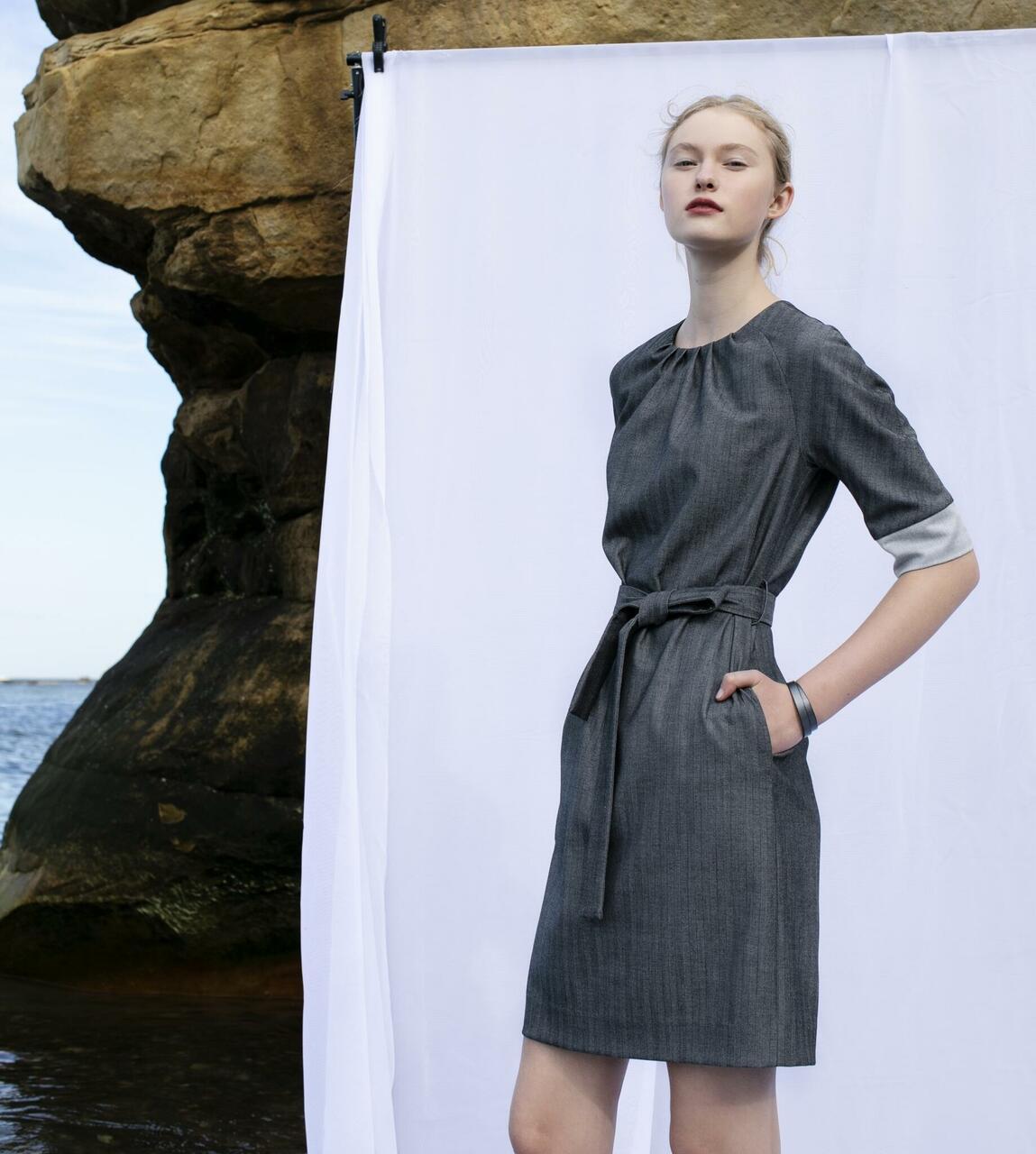 Vööga kleit 168€